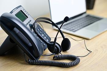 Telefoon met een gekoppelde headset